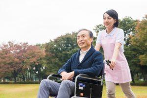 老人の介護